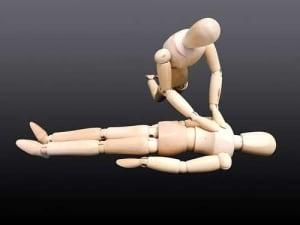 Erste Hilfe Kurs: Hier lernst Du die Herzmassage
