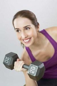 Das richtige Sport T-Shirt auch als Top für das Fitnesstraining zu Hause finden