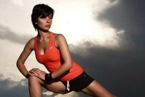 Hohe Ansprüche werden an die Nähte von Sport T-Shirts gestellt, für den Einsatz draußen auch an einen UV Schutz